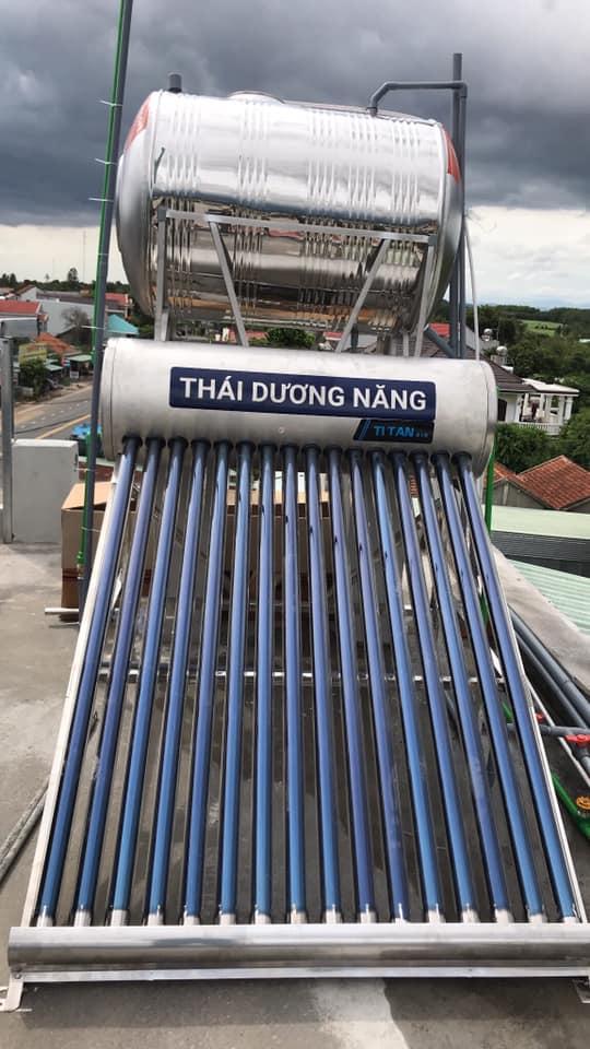 thai-duong-nang-titan-ong-dau